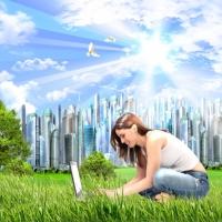интернет, город будущего, будущее, обои, коллаж, девушка, девушка за компьютером, девушка на поле, девушка на траве, солнце, небо, счастье, радость, оптимизм, позитив, любовь к жизни