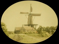 Charles Corbet, Windmill with round roof - c. 1910, autochrome 9 x 12