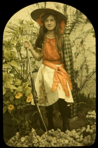 Charles Corbet, Girl with gun - c. 1910, autochrome 12 x 9