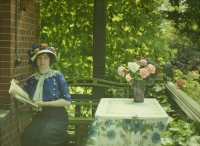 Georges Gilon, Portrait of Jeanne Nokin  c. 1913, autochrome 9x12