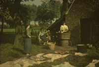 Alfonse Van Besten, Washing and bleaching    c. 1912, autochrome 9 x 12