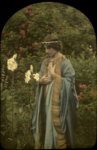 Alfonse Van Besten, Purity    1913, autochrome 9 x 12, Similar autochrome in collection Fotomuseum-Antwerpen